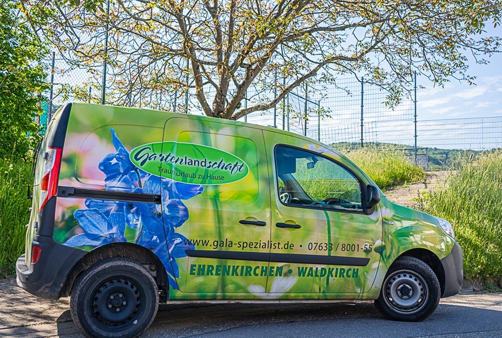 Wir halten für unsere Mitarbeiter nur neuwertige Fahrzeuge bereit. Die Kleinfahrzeuge sind gut geeignet, um Werkzeuge und kleine Mengen an Materialien transportieren zu können.